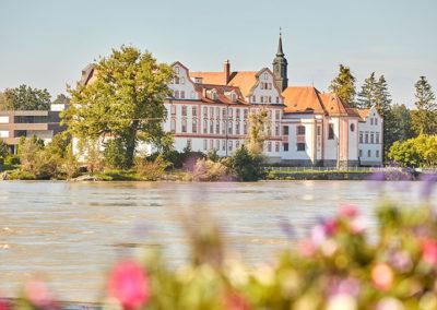 Blick auf Kloster Neuhaus